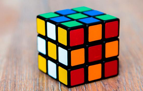 Rubiks_550x350